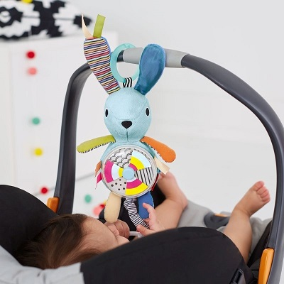 Jucărie cu vibrații și sunete pentru bara căruciorului Iepuraș, 305254, SkipHop